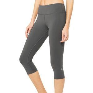 Alo Yoga Airbrush Gray Capri Leggings Medium